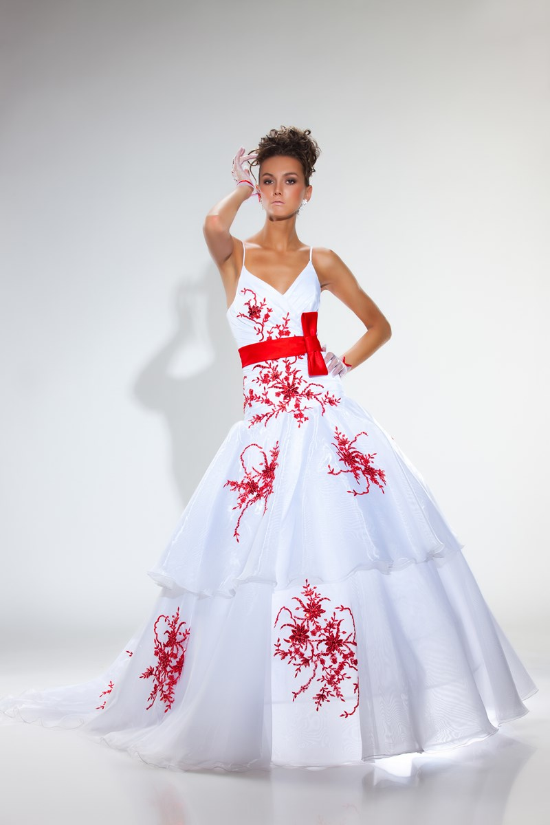 Robe mariee rouge et blanc